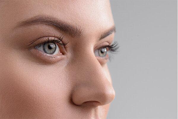 Nasenkorrektur ohne Narbe