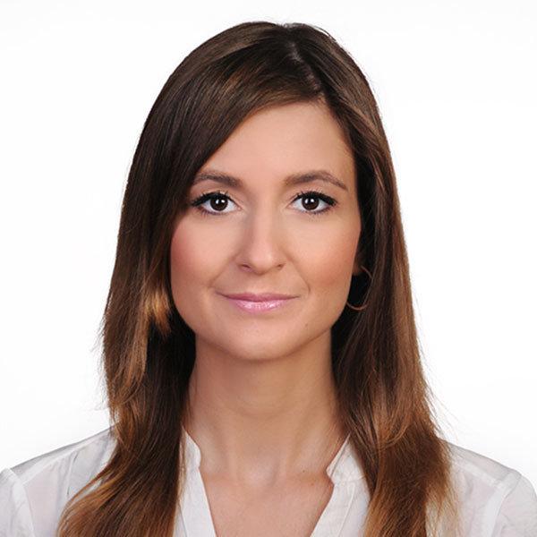 Vita Fr. Dr. Britta Kühlmann